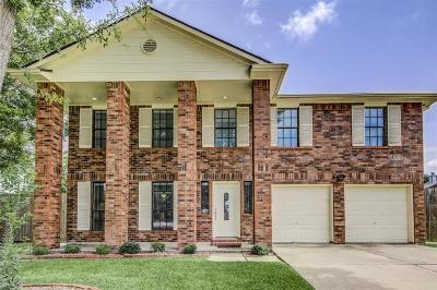 Friendswood Single Family Home For Sale: 2103 Zavalla Circle