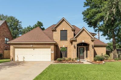 Lake Jackson Single Family Home For Sale: 137 Sugar Cane Circle