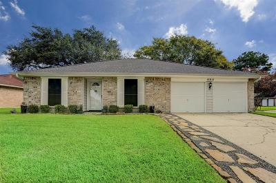 Friendswood Single Family Home For Sale: 16815 Kings Chapel Court