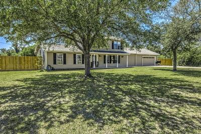 Baytown Single Family Home For Sale: 15302 Hummingbird Street
