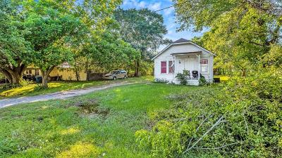Needville TX Single Family Home For Sale: $70,000