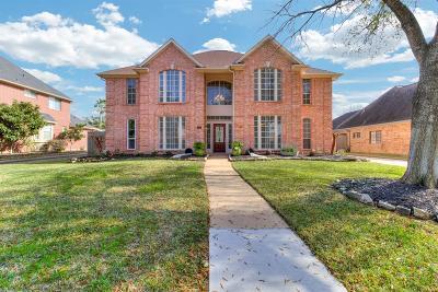 Pasadena Single Family Home For Sale: 5011 Baywood Dr Drive