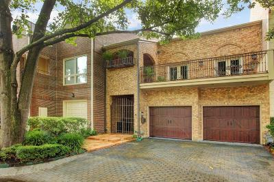 Houston Condo/Townhouse For Sale: 5 Pine Briar Circle
