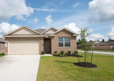 New Caney Single Family Home For Sale: 18129 Woodpecker Trail