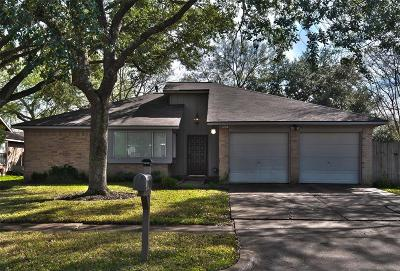 Houston Single Family Home For Sale: 13706 Eastbourne Drive