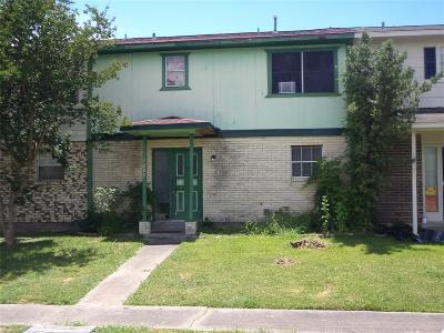 La Porte Condo/Townhouse For Sale: 1209 Oregon Street
