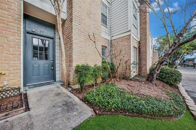 Houston Condo/Townhouse For Sale: 11710 Southlake Drive #47