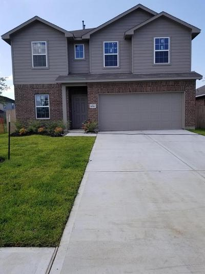Baytown Single Family Home For Sale: 10010 Chase Court