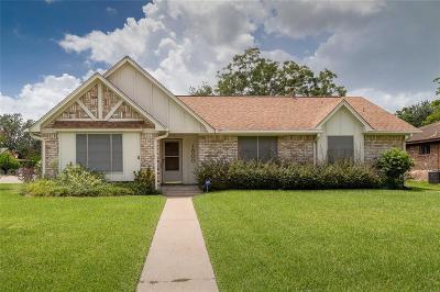Baytown Single Family Home For Sale: 1500 Sierra Drive