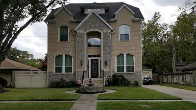 Bellaire Single Family Home For Sale: 5105 Maple Street