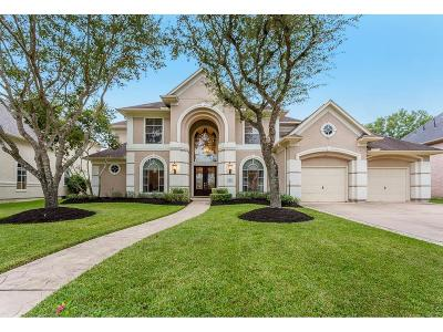 Sugar Land Single Family Home For Sale: 22 Saint Christopher Court