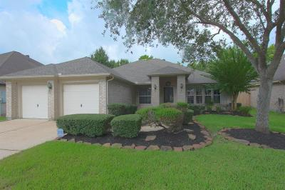 Friendswood Single Family Home For Sale: 1486 Garden Lakes Drive