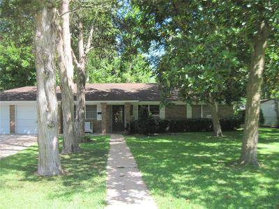 Sweeny Single Family Home For Sale: 802 E Second St