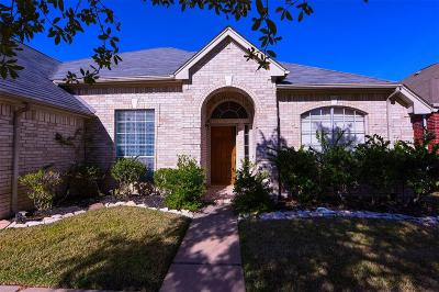 Sugar Land Single Family Home For Sale: 16346 Mellow Oaks Lane