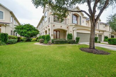 Sugar Land Condo/Townhouse For Sale: 21 Sweetwater Court