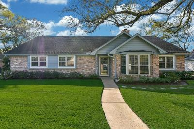 Galveston County, Harris County Single Family Home For Sale: 2407 Moss Hill Drive