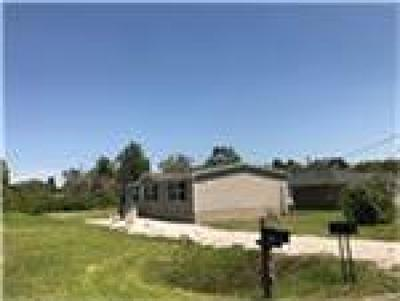 Crosby TX Single Family Home For Sale: $90,000