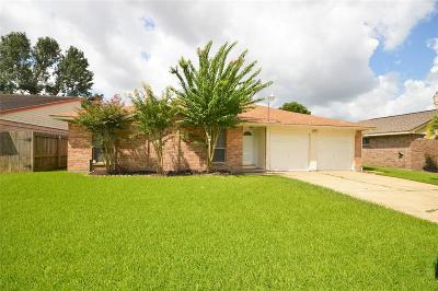 Friendswood Single Family Home For Sale: 16434 Hibiscus Lane