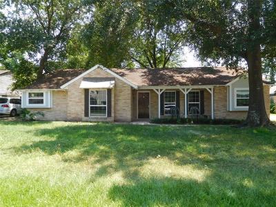 Shenandoah Single Family Home For Sale: 311 Hickory Ridge Drive