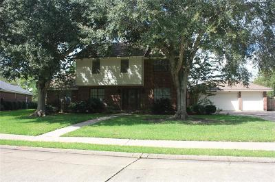 Angleton Single Family Home For Sale: 20 Colony Square
