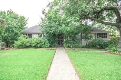 Baytown Single Family Home For Sale: 4701 Ironwood Drive
