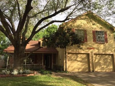 Houston Single Family Home For Sale: 10502 Green Valley Lane