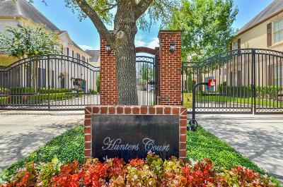 Houston Single Family Home For Sale: 7715 S Hunters Court Drive
