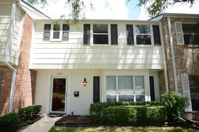 Energy Corridor Condo/Townhouse For Sale: 1307 Country Place Drive