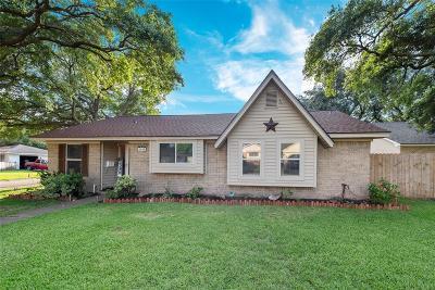 Baytown Single Family Home For Sale: 1400 Sherwood Street