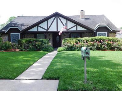 Missouri City Single Family Home For Sale: 3207 Meadowcreek Drive