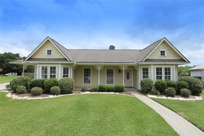 Angleton Single Family Home For Sale: 52 Colony Square