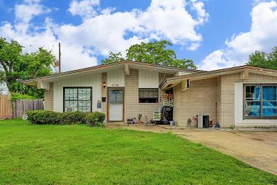 Houston Single Family Home For Sale: 3111 Larknolls Lane