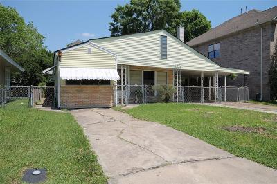 Bellaire Single Family Home For Sale: 4324 Vivian Street