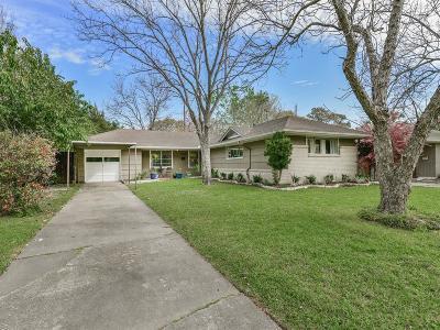 Oak Forest Single Family Home For Sale: 4710 De Milo Drive