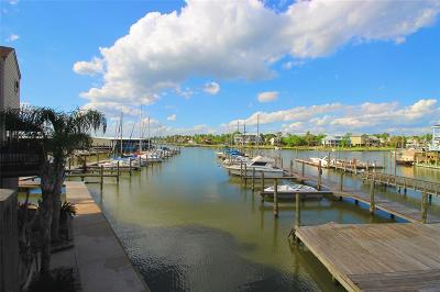 Kemah Condo/Townhouse For Sale: 1140 Marina Bay Drive #120B