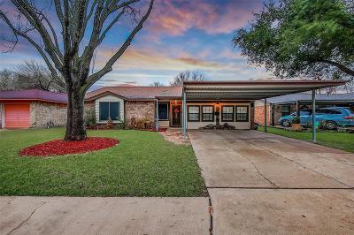 Pasadena Single Family Home For Sale: 3805 Edgefield Drive