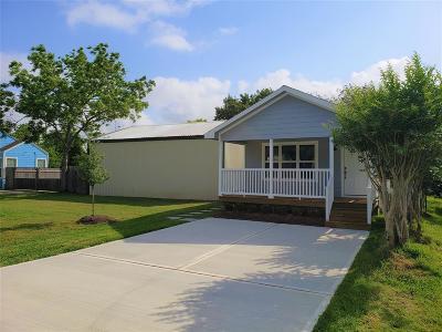 La Porte Single Family Home For Sale: 211 S Holmes Street
