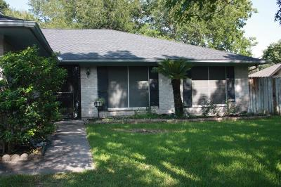 Friendswood Single Family Home For Sale: 5239 Whittier Oaks Drive