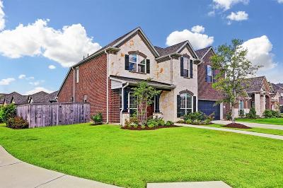 Pearland Single Family Home For Sale: 2210 Whispering Manor Lane