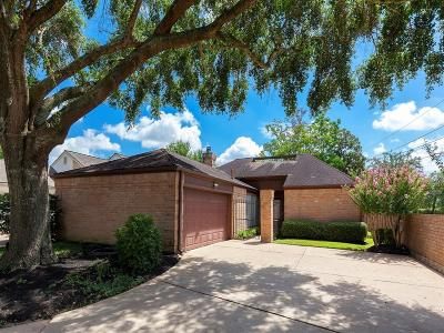 Houston Single Family Home For Sale: 4015 Heathersage Drive