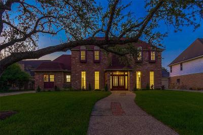 Houston Single Family Home For Sale: 15906 River Roads Drive