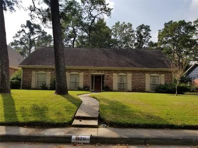 Houston Single Family Home For Sale: 12211 Old Oaks Drive