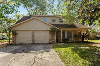 Friendswood Single Family Home For Sale: 215 Rachael Lane