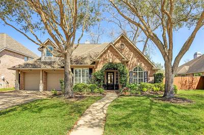 Sugar Land Single Family Home For Sale: 8518 Babbling Brook Court