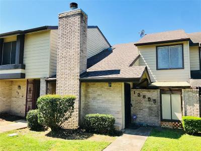 Houston Condo/Townhouse For Sale: 12855 Carvel Lane