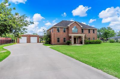 Pearland Single Family Home For Sale: 7010 Heron Lane