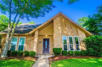 Sugar Land Single Family Home For Sale: 2607 Sugar Mill Drive
