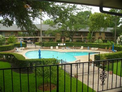 Houston Condo/Townhouse For Sale: 7600 Burgoyne Road #230