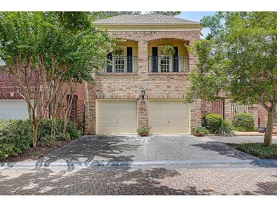 Houston Single Family Home For Sale: 275 Sugarberry Circle