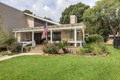 Montgomery Single Family Home For Sale: 37 Lakeview Village